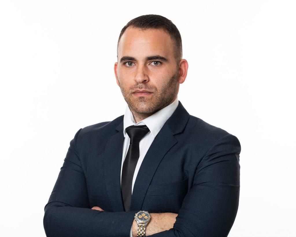 עורך דין אלון לוי